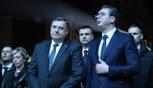 Vučić: Kupili smo 2.200 respiratora u najtežim trenucima 15