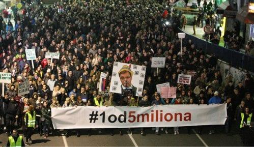 Privođeno sedmoro članova Organizacionog odbora protesta 1 od 5 miliona u Batočini 14