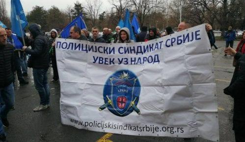 Održan protest Policijskog sindikata ispred sedišta MUP-a 13