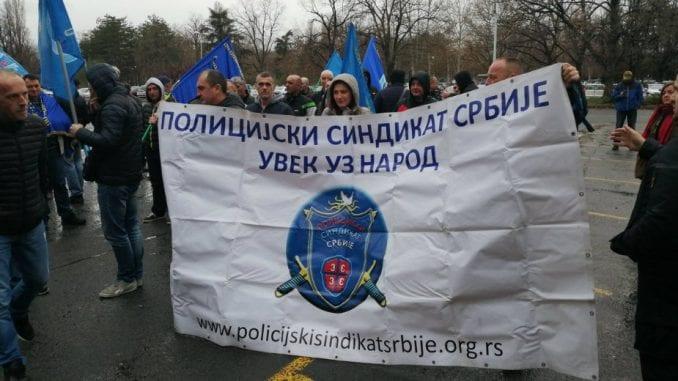 Održan protest Policijskog sindikata ispred sedišta MUP-a 4