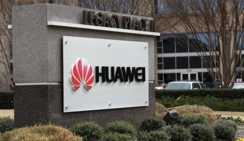 Gugl odložio suspenziju saradnje sa Huavejem 5