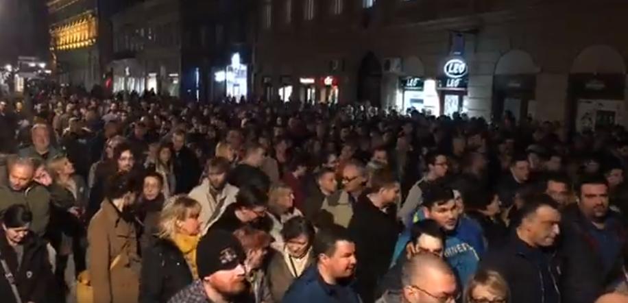Protesti 1 od 5 miliona u više gradova (VIDEO, FOTO) 2