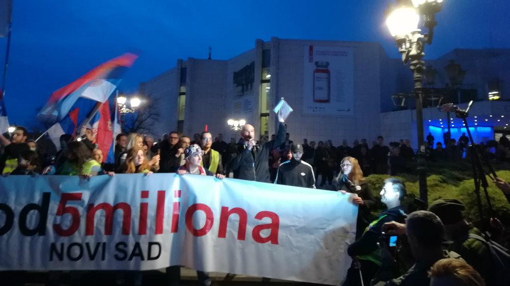 """Protesti """"1 od 5 miliona"""" održani u više od 25 gradova Srbije (FOTO, VIDEO) 10"""