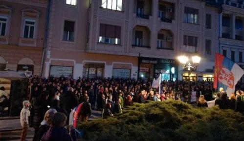 """Protesti """"1 od 5 miliona"""" održani u više od 25 gradova Srbije (FOTO, VIDEO) 13"""