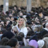Neredi ispred Zida plača zbog molitvi žena 7