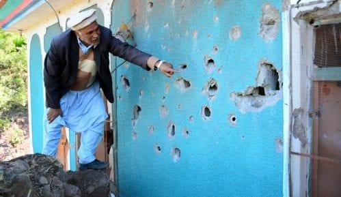 Indija i Pakistan ponovo razmenili napade na vojne položaje i sela u Kašmiru 13