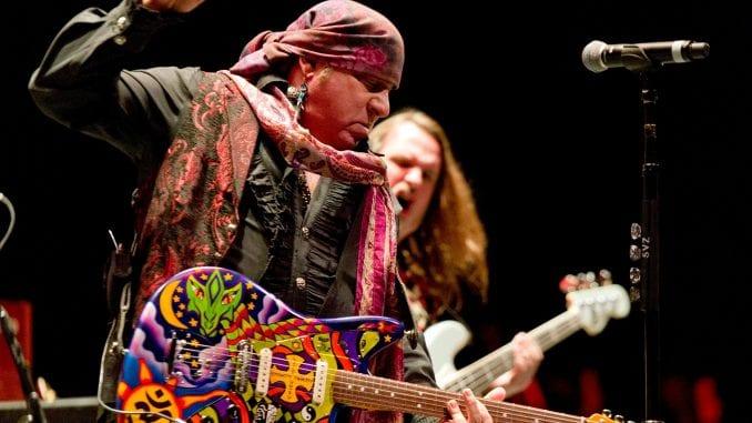 Arsenal dovodi legendarnog gitaristu Brusa Springstina 1