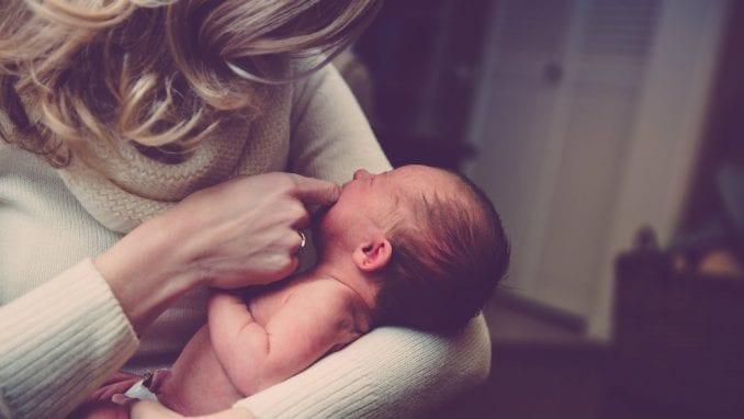U EU zabeležen rast prosečne starosti žena koje prvi put rađaju 1