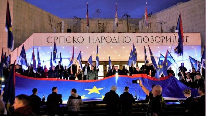 """Protesti """"1 od 5 miliona"""" održani u više od 25 gradova širom Srbije (FOTO, VIDEO) 2"""