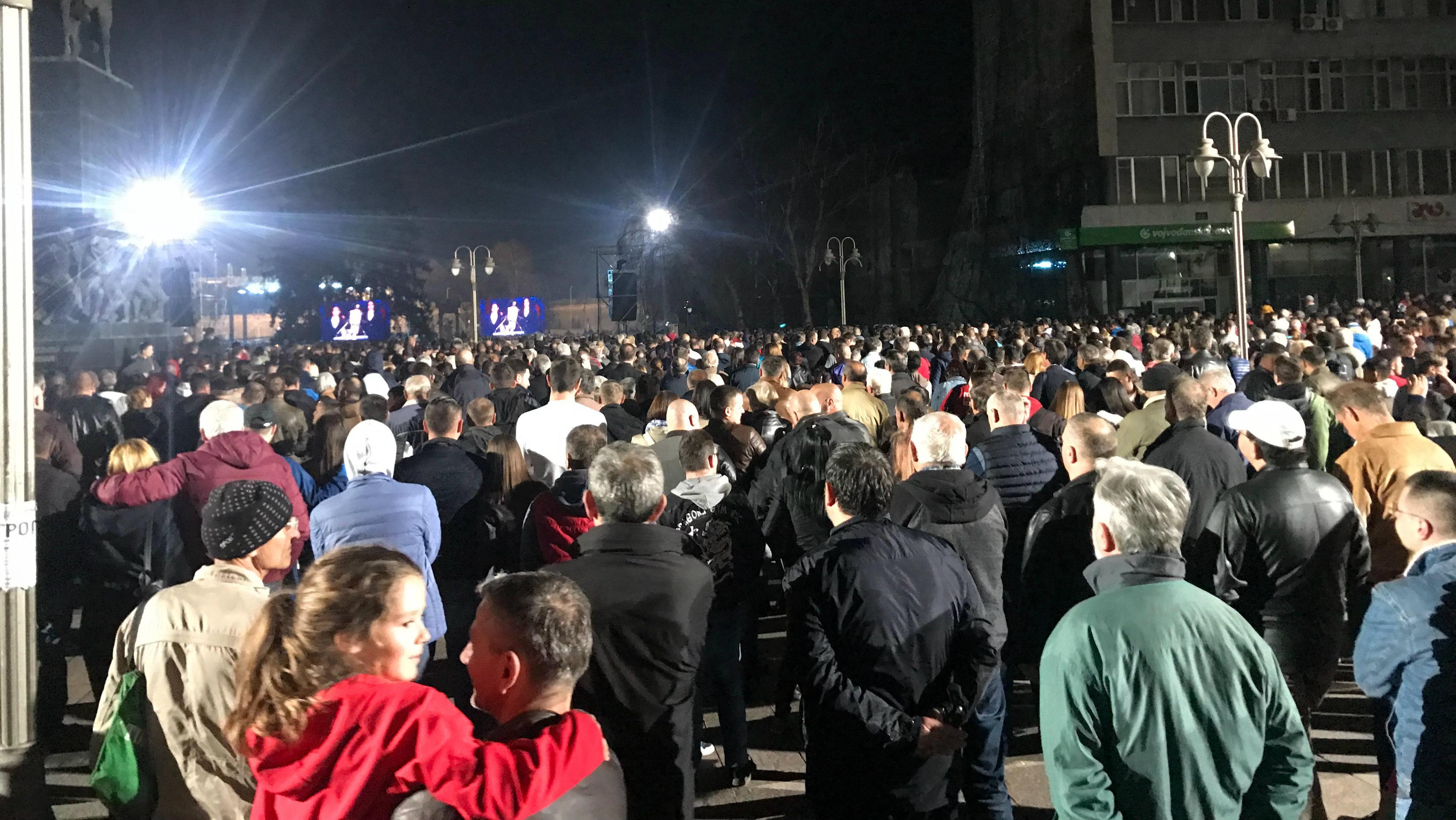 Vučić: Narednih nedelja i meseci će rušiti Srbiju (FOTO) 2