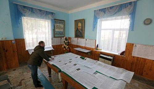 Na predsedničkim izborima u Ukrajini vodi glumac 7