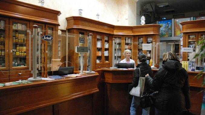 Smanjiti broj apoteka u Srbiji 1