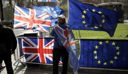 Britanski parlament glasao za odlaganje Bregzita 9