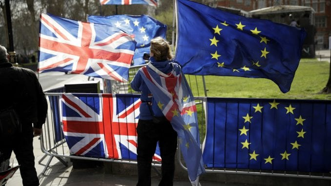 Britanski parlament glasao za odlaganje Bregzita 1