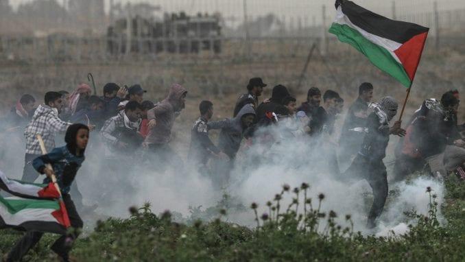 Tokom masovnih protesta na granici Gaze ranjeno 40 Palestinaca 2