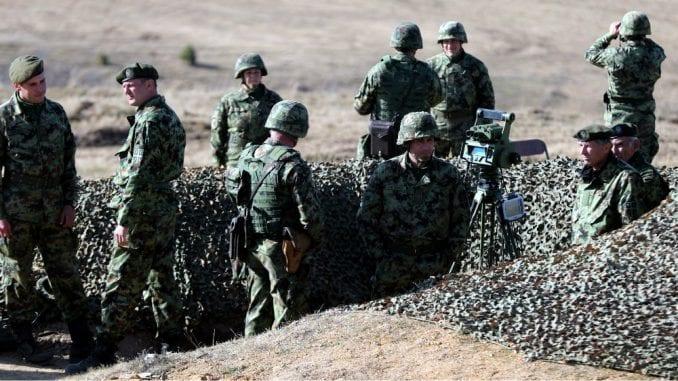 Većina poslanika protiv uvođenja obaveznog vojnog roka 2