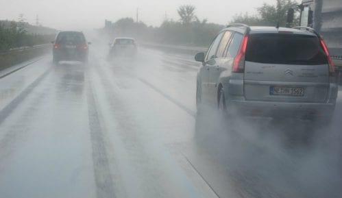 AMSS: Kiša usporava saobraćaj 3