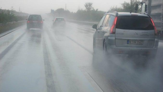AMSS: Mokri kolovozi i jak vetar u košavskom području 1