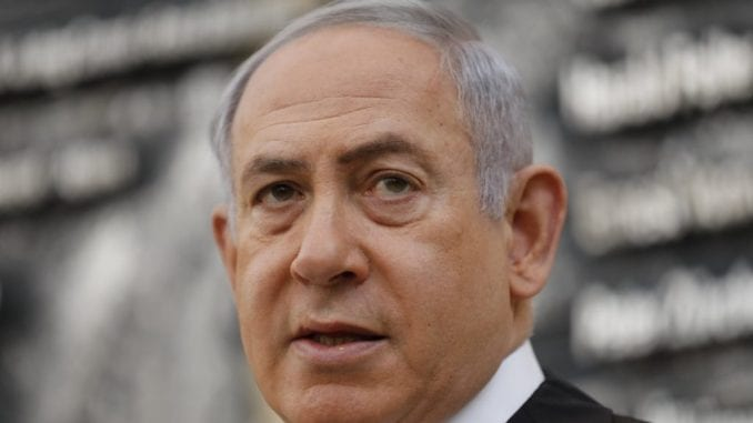 Statua Netanjahua osvanula u Tel Avivu kao simbol kraja demokratije Izraela 4