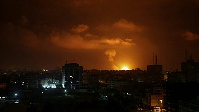 Izrael napao Gazu avionima, helikopterima i tenkovima posle raketiranja 5