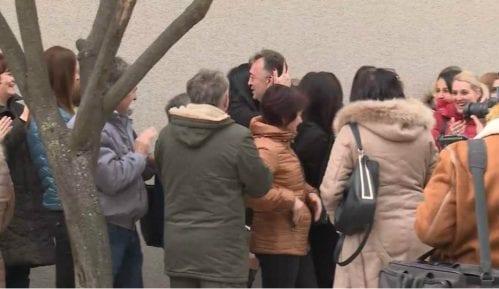 Pojedine žene prisiljene da dođu na skup podrške Jutki u Brusu 9