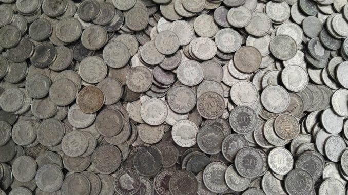 Koalicija za nadzor javnih finansija: Dužnicima u švajcarskim francima ni evro iz budžeta 1