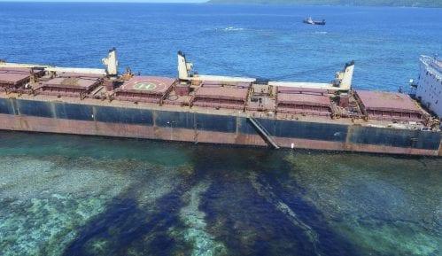 Nasukan brod ispustio 80 tona nafte kod Solomonskih ostrva 5