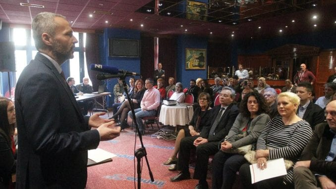 Olenik: Vlast da se povuče ako nije u stanju da postigne sporazum o Kosovu 1