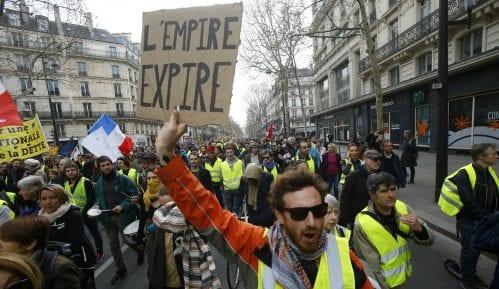 Izveštaj: Pokret Žuti prsluci imao umeren uticaj na francusku privredu 9