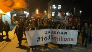 """Protesti """"1 od 5 miliona"""" održani u više od 25 gradova Srbije (FOTO, VIDEO) 17"""