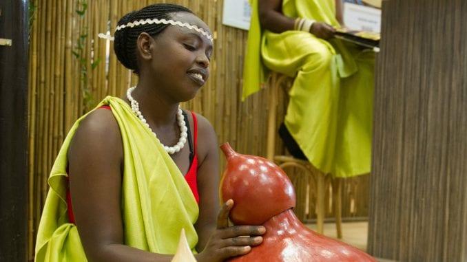 Procvat Ruande: Od genocida do svemira 1