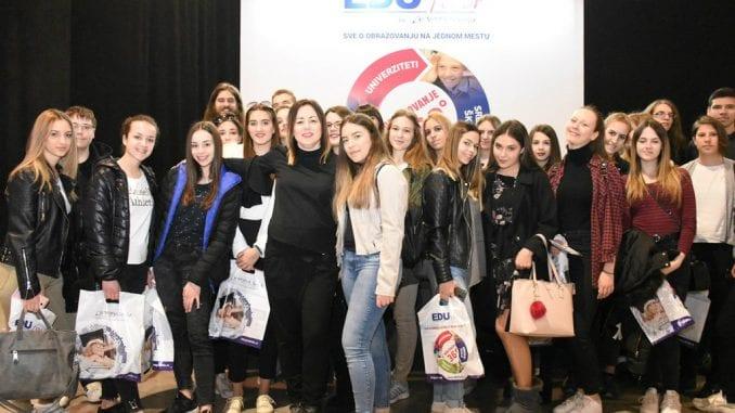 Nataša Kristić iz Valjevske gimnazije proglašena za Omiljenu profesorku Srbije 1