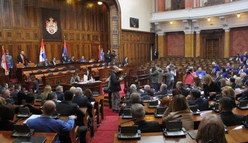 Počela sednica Skupštine Srbije, utvrđuje se dnevni red, opozicija i dalje bojkotuje 6