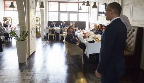 Stefanović organizovao ručak za pripadnice policije povodom Dana žena 5