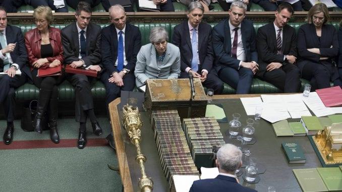 Mej se povlači sa čela vlade ukoliko poslanici podrže njen sporazum o Bregzitu 1