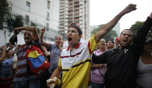 UN upozorile na prekomernu upotrebu sile na protestima u Venecueli 13