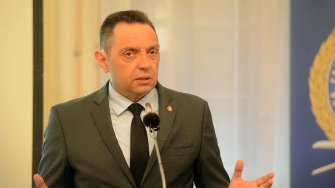 Vulin: Međunarodna zajednica da ponovi istrage o masakrima nad Srbima na Kosovu 1