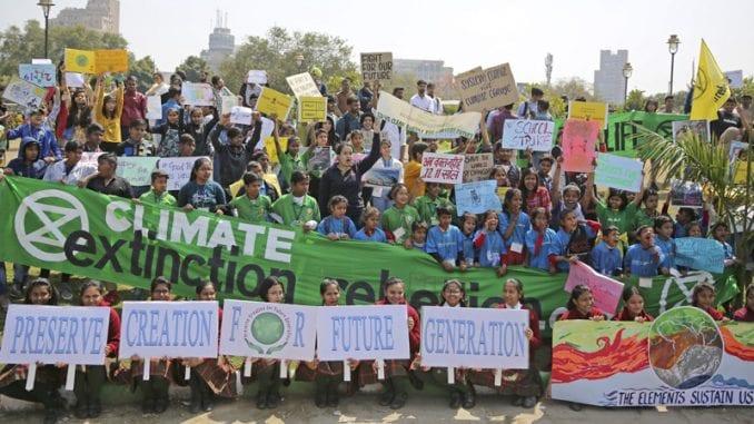 Od Sidneja do Najrobija mladi na ulicama traže zaštitu planete (FOTO) 1