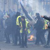 Požari i sukobi s policijom na protestu Žutih prsluka u Parizu 2