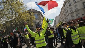 Sutra nastavak protesta Žutih prsluka u Francuskoj uprkos požaru u Notr Damu