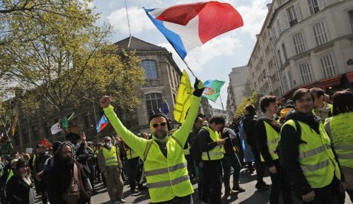 Sutra nastavak protesta Žutih prsluka u Francuskoj uprkos požaru u Notr Damu 15