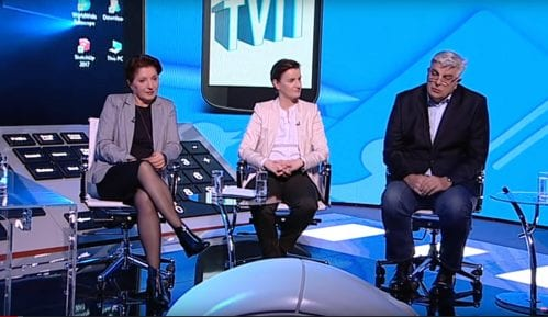 Ne ide da sediš u stolici u kojoj su sedeli Vučićević i Šešelj 10