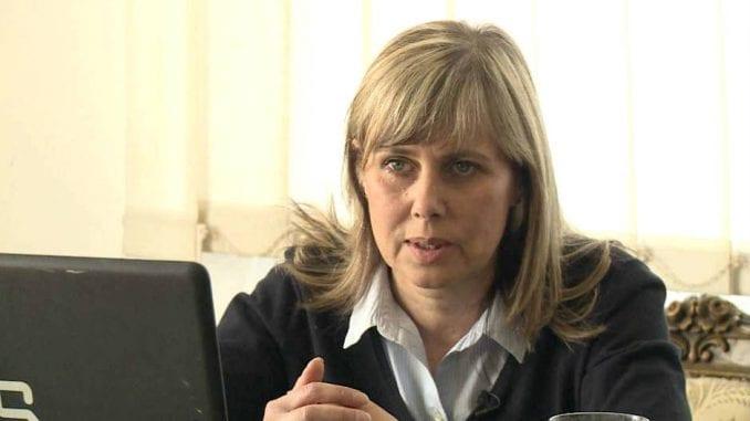 Maja Pavlović: Nepodobna 1