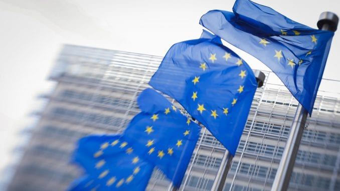 Faktor plus: Samo 35 odsto građana Srbije za EU 1