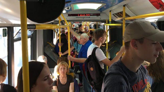 """Naknada za prevoz: Zašto Beograđani moraju da odgovore na pitanje - """"ko te vozi kući"""" 2"""