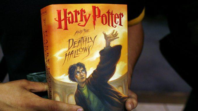 Požar! Poljski sveštenici spaljivali knjige o Hariju Poteru 2