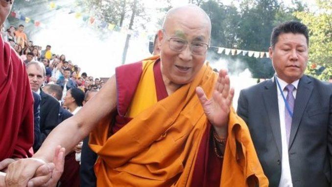 Dalaj lama: Tibetanski duhovni lider u bolnici 3