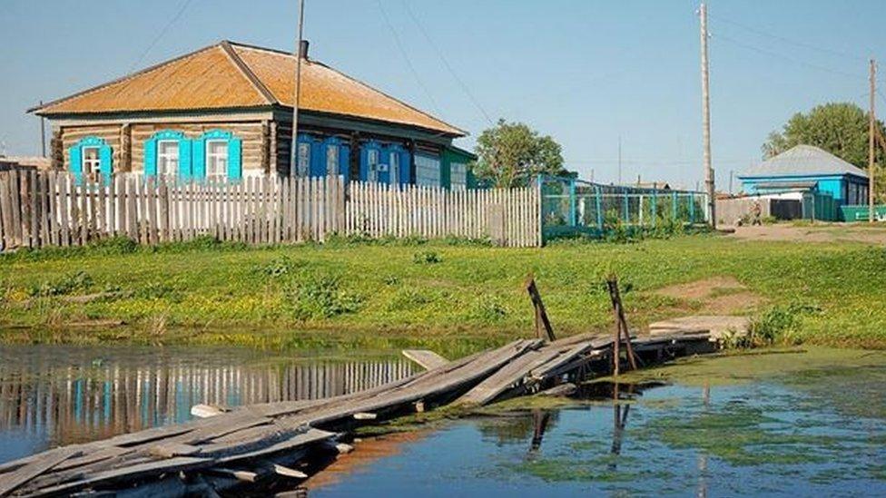 Ovuda bi Sergej Zotov sada mogao da dolazi na posao - mali most u Feršampenuazu
