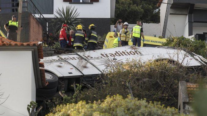 Saobraćajna nezgoda u Portugalu: Najmanje 29 ljudi poginulo kada je autobus sleteo s puta u Madeiri 2