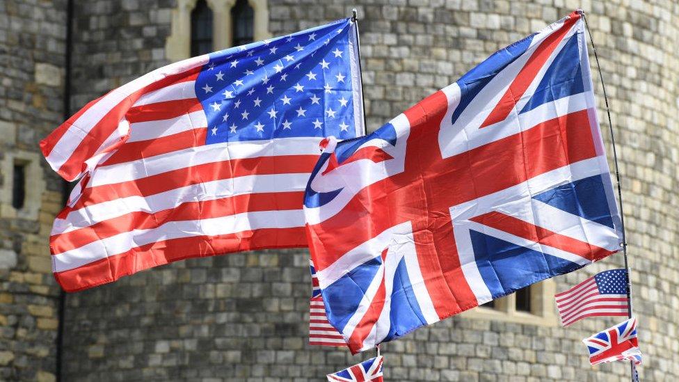 Američka i britanska zastava